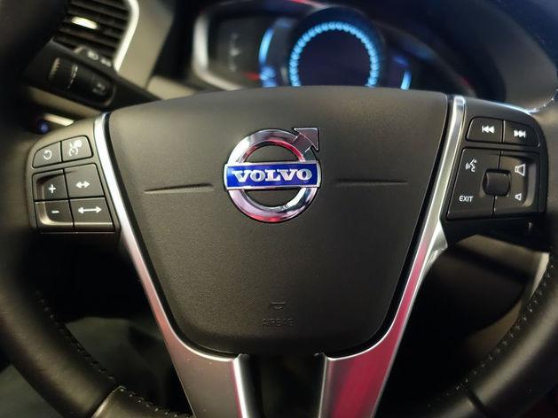 Хороши и кузов, и двигатель: российские автовладельцы назвали лучшие марки машин. РЕЙТИНГ