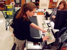 Экономия на кэше: россиянам предложат снимать наличные на кассах магазинов