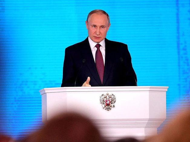 «Еще 6 лет поигрывания мускулами и застоя». Путин грозит Западу ядерным оружием. Реакции