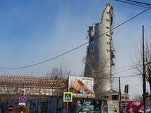 «Как будто петарда взорвалась». В Екатеринбурге снесли телебашню / ВИДЕО