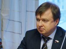 Уральский депутат Госдумы предложил чипировать всех трудовых мигрантов