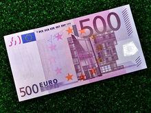 Курс доллара и евро 10 апреля: «черный понедельник» продолжил «черный вторник»