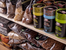 Контракты по поставкам местных продуктов в торговые сети будут заключать через Минпромторг
