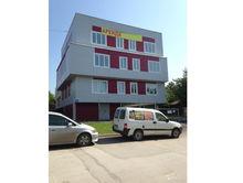 Офисное здание с парковкой появилось в продаже в Октябрьском районе