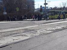 Успеть к июню. В Екатеринбурге срочно ремонтируют улицы и тротуары перед ЧМ-2018 / КАРТА
