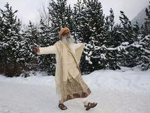 «Человек не хрупок». Чему гуру-йогин и автор «черного лебедя» научили Грефа и гостей ПМЭФ