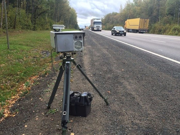 «7 камер в одну сторону!». Автомобилисты возмущены спонтанными штрафами. Причем тут УГМК?