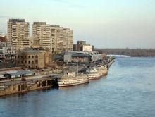 На набережной Енисея в Красноярске станет меньше парковок