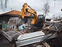 Тюменцы разрушили часть Цыганского поселка в Екатеринбурге