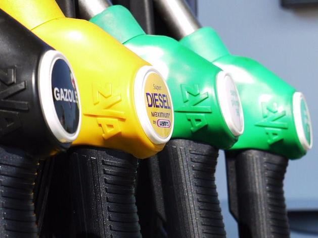 Массовый недолив бензина: три четверти российских АЗС уличили в обмане автомобилистов