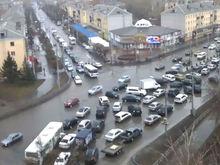 На улице Партизана Железняка в Красноярске появится 200 новых парковочных мест
