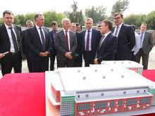 Травников проверил строительство ключевых спортобъектов Новосибирска