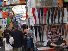 Городовой Красноярска взялся за разгром «армии торговцев» на улице Глинки