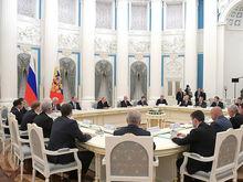 Владимир Путин поставил задачи перед губернатором Красноярского края Александром Уссом