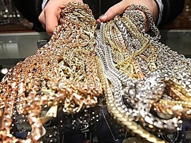 Похищены тысячи предметов роскоши. Произошла крупнейшая кража в истории Екатеринбурга