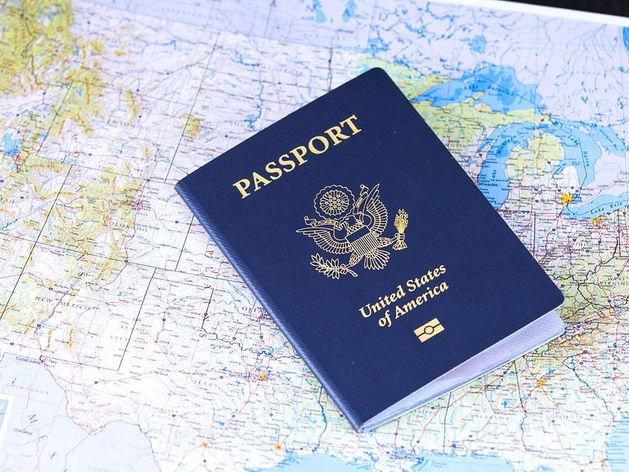 Обещают без очередей. В Екатеринбурге возобновили выдачу виз в США