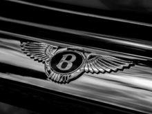 Банкротят бывших красноярских дилеров Porsche и Bentley, входящих в ГК «Крепость»