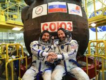 Экипаж жив: что известно о падении корабля «Союз». Ждет ли Рогозина отставка?