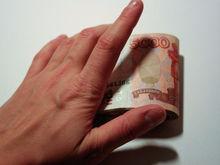 Реальные доходы россиян в сентябре резко упали. Не помог даже рост зарплат