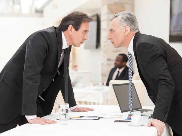Они погубят друг друга. Два крупных уральских бизнесмена ведут войну на уничтожение