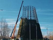 В Красноярске возводят главную новогоднюю елку: чем удивят в этом году ФОТО