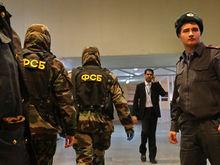 В Архангельске взорвали бомбу на входе в здание ФСБ. Ее пронес 17-летний юноша