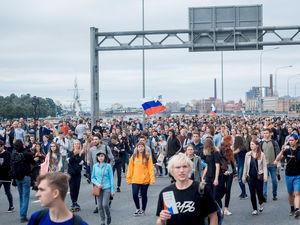Благополучие вместо державности: в массовом сознании россиян сменились приоритеты