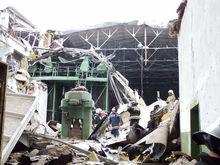 Отмывали деньги. За обрушение крыши на уральском заводе ответит подрядчик
