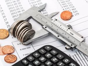 На Урале быстро утвердили дефицитный бюджет. Ждать налоговиков-стахановцев?