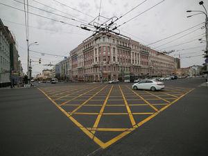 «Вафельная» разметка появится еще на 6 перекрестках Ростова