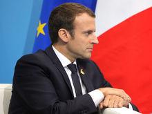 Во Франции ввели чрезвычайное положение. Президент выполнит часть требований протестующих