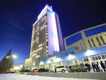 На одну жемчужину больше: в Красноярске подсветили здание Енисейского речного пароходства