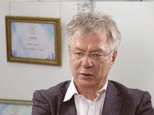 Александр Галицкий: «Русский даже при проблемах не отказывается от яхты и бизнес-класса»