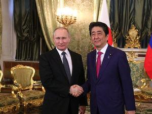 Спор за острова: готов ли Путин отдать Курилы Японии и что за это получит Россия?