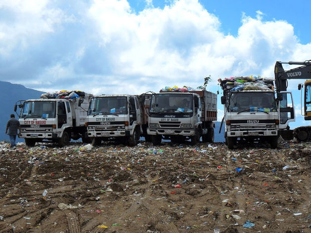 «Закапывают наши деньги в землю». Мусорная реформа больно ударила по местному бизнесу