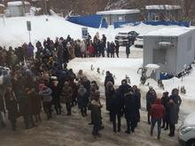 Угроза взрыва. В Нижнем Новгороде массово эвакуируют людей из ТЦ и больниц