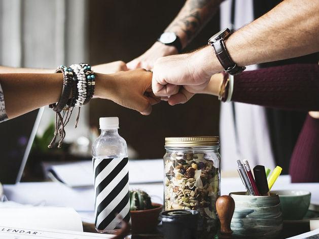 Офисная работа или удаленка? Прогрессивные компании выбирают третий вариант: распределенка