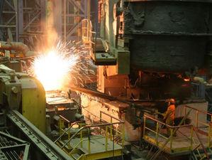 Произошел разлив металла: во время пожара на ЧМК погибли двое рабочих