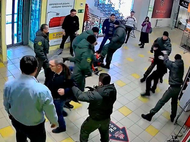 Охранное предприятие «СОВА» осталось без лицензии из-за избиения владельца фабрики «ЭМА»