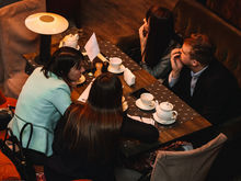 Блеснуть эрудицией под хороший ужин: очередной квиз «Мозги в дело» пройдет в Clocks