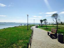 «Озероскрёб», набережная и пешеходная улица: озеро Смолино свяжут с парком Плодушка