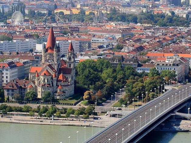 Вена признана самым удобным городом для жизни. Москва и Питер — во второй сотне