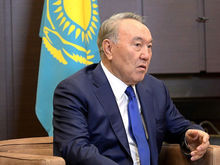 «Наш лидер себя видит где-то на небе». Чем уход Назарбаева интересен для Путина и россиян?