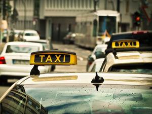 «Вези, вези»: в Челябинске резко вырос спрос на таксистов
