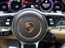 Квартира vs элитное авто: где в Красноярске можно купить квартиру по цене Porsche Cayenne