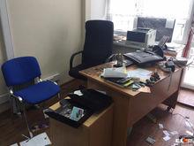 В Екатеринбурге напали на редакцию «Коммерсанта». Погромщика задержали спустя сутки