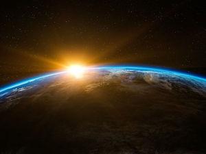«Мы не можем быть уверены даже в форме Земли, а вы кричите о своей убежденности»
