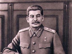 «Чисто мифологический образ». Доля одобрения Сталина среди россиян достигла рекорда