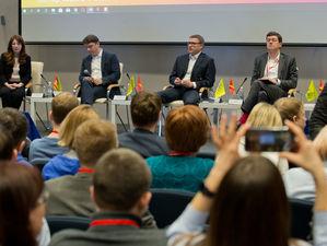 «Стартаперы предпочитают casual»: Текслер снял галстук на Startup Tour в Челябинске