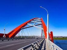 На подрядчика строительства Бугринского моста подали иск